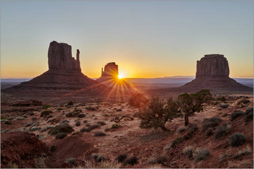 Premium poster sunrise over Monument Valley, Arizona, USA, North America
