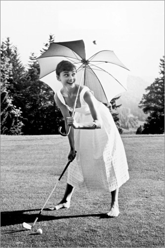 Premium poster Audrey Hepburn playing Golf