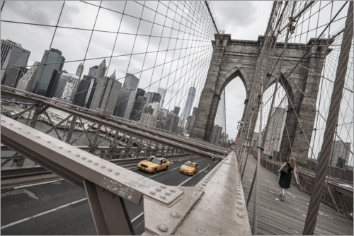 Premium poster Brooklyn Bridge with yellow taxis
