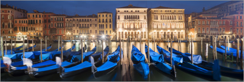 Premium poster Gondolas at night, Venice