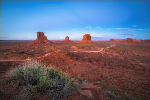 Premium poster Monument Valley in the sunset