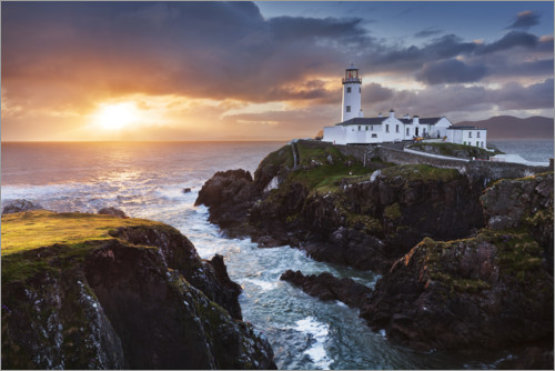 Premium poster Sunrise over the sea with lighthouse