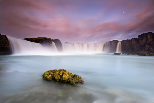 Premium poster Godafoss and the moon