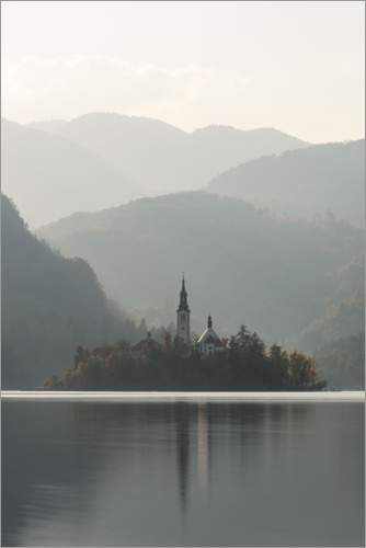 Premium poster Island in the lake Bled in Slovenia