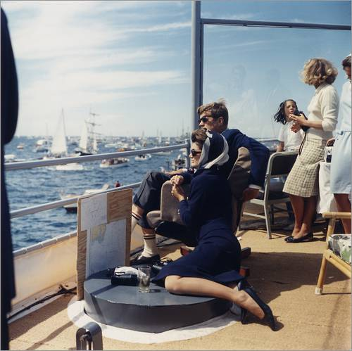 Wall sticker JFK and Jacqueline Kennedy sailing