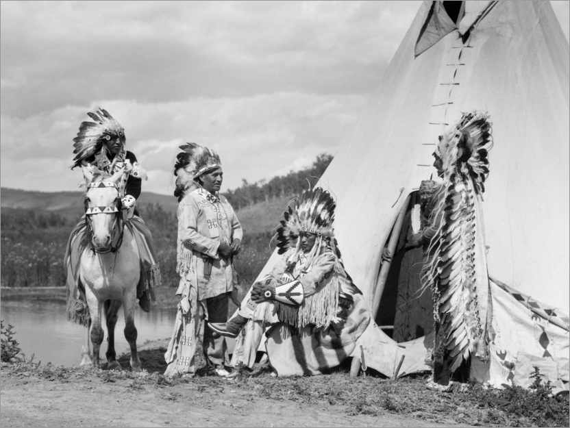 Premium poster Sioux in front of a Tepee
