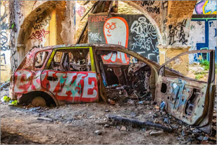 Premium poster Graffiti car wreck