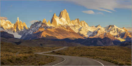 Premium poster Sunrise at Fitz Roy in Patagonia