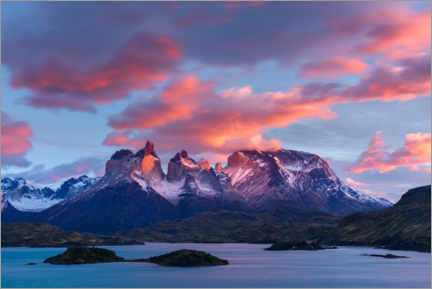Canvas print  Sunrise over Cuernos del Paine and Lake Pehoe - Yuri Choufour