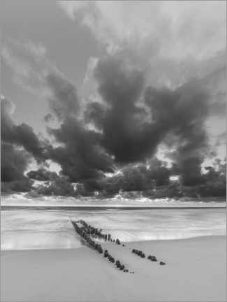 Premium poster Groyne with clouds, black and white