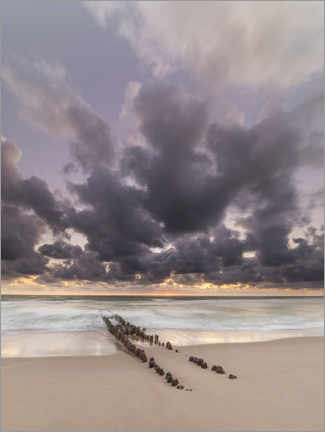 Premium poster Groyne with clouds