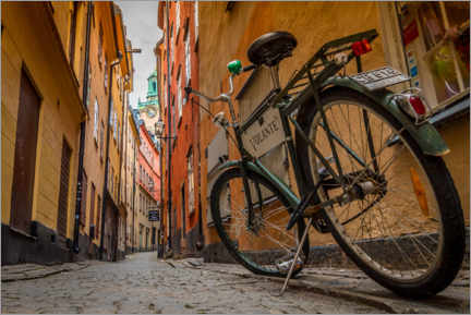 Premium poster  Bicycle in Gamla Stan, Stockholm - Julian Peters