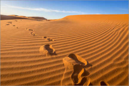 Gallery print  Footprints on the sand dunes of the Sahara, Morocco - Julian Peters