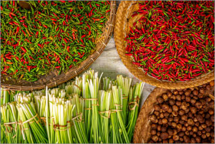 Acrylic print  Chili peppers and leeks in a local market - Julian Peters