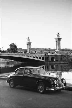 Canvas print  Vintage car in Paris in Black and White - Carina Okula