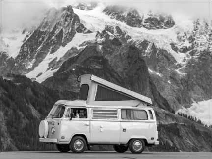 Wall sticker  Camping bus in front of a mountain landscape - Moritz Wolf