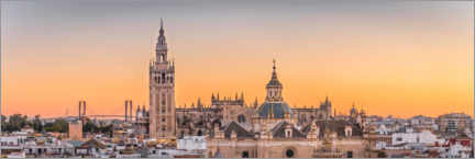 Premium poster  La Giralda and Iglesia del Salvador at sunset - Moritz Wolf