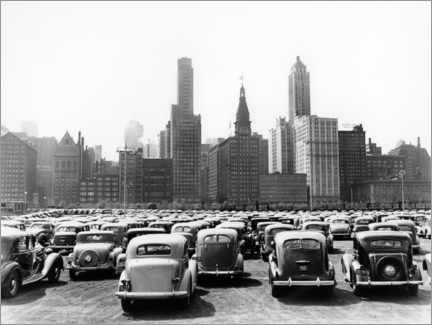 Premium poster  Classic cars in front of the Chicago skyline