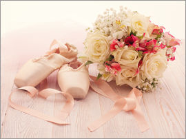 Ballet shoes with bouquet