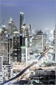 Alex Robinson - Bangkok skyline showing the Skytrain and Chit Lom, Sukhumvit and Ploen Chit areas, Bangkok, Thailand