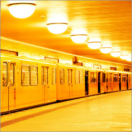 bildpics - Berlin subway