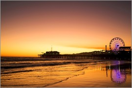 Dennis Flaherty - View of Santa Monica Pier at sunrise