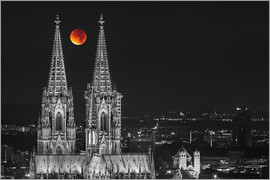 rclassen - Blood Red Moon Cologne Cathedral