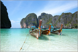 Matteo Colombo - Long tail boats at Maya bay beach, Phi Phi island, Thailand