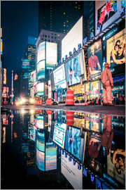 newfrontiers photography - Broadway, Times Square by night