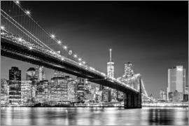 newfrontiers photography - Brooklyn Bridge with Manhattan Skyline (monochrome)