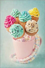 Elena Schweitzer - Colorful cupcake pops on blue background