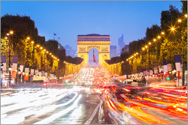 Matteo Colombo - Champs Elysees and Arc de Triomphe at night, Paris, France