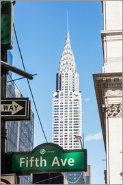 Matteo Colombo - Crysler building and Fifth avenue sign, New York city, USA