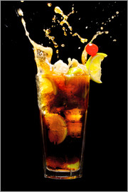 Cuba Libre Cocktail with splash