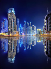 Dark blue night - Dubai Marina bay