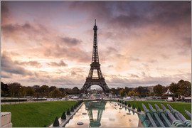 Matteo Colombo - EIffel tower at sunset from the Trocadero, Paris, France