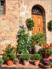 Julie Eggers - House entrance in Monticchiello
