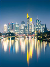 Matteo Colombo - Frankfurt skyline reflected in river Main at night, Germany