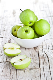 Green apples in a bowl