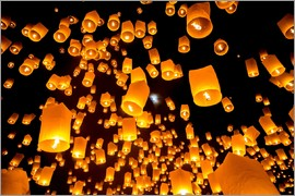 Sky lanterns in Chiangmai