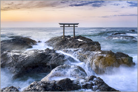 Jan Christopher Becke - Japanese Torii in the sea, Japan