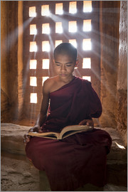 Jan Christopher Becke - Young Burmese monk in meditation at the monastery