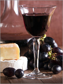 Edith Albuschat - Cheese platter with wine