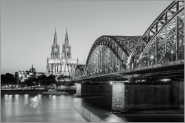 Michael Valjak - Cologne at night in black and white