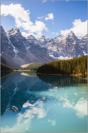 Matteo Colombo - Lake Moraine in the Canadian Rockies