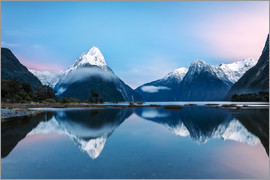 Matteo Colombo - Landscape: sunrise at Milford Sound, Fjordland National park, New Zealand