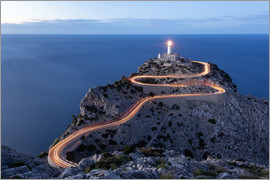 Michael Valjak - Light trail to the lighthouse at Cap Formentor, Mallorca