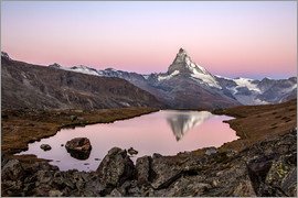 Roberto Sysa Moiola - Matterhorn reflected in Lake Stellisee, Switzerland
