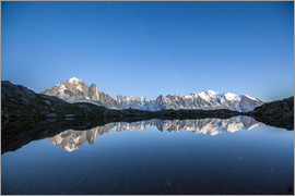Roberto Sysa Moiola - Mont Blanc reflected in Lacs des Chéserys, France
