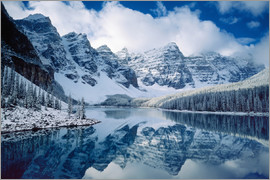 Alan Majchrowicz - Moraine lake in Canada